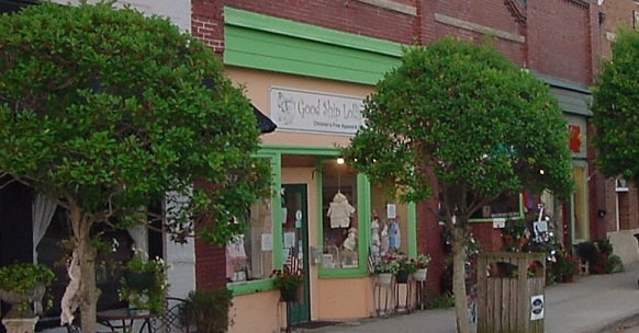 shops at downtown Southport North Carolina