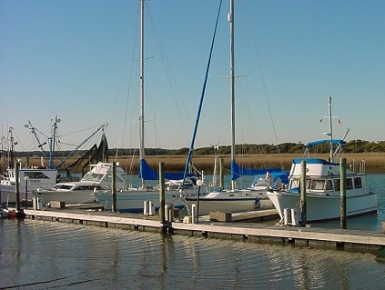 Picture of a marina at Oak Island NC